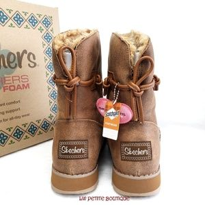 Skechers Shoes - Skechers Keepsake Boots